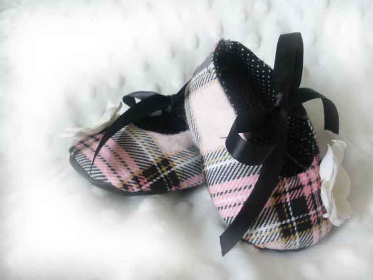 Pink Rose Plaid Baby Booties
