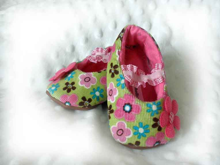 Flower Fun Baby Booties