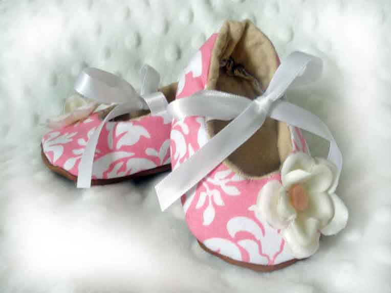 Pink Damask Baby Booties