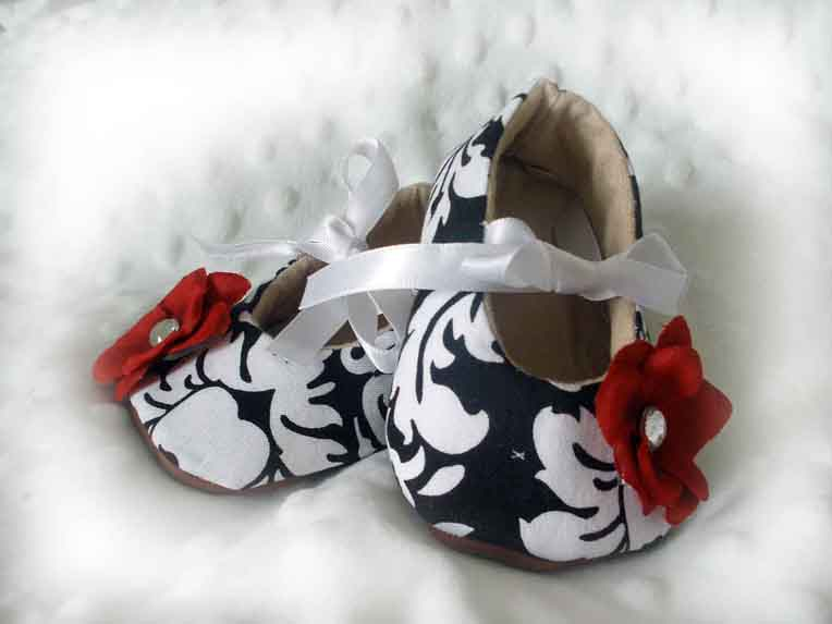 Black Damask Red Baby Booties